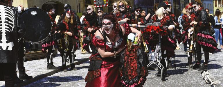 Carnaurba : Romani cum insanis (ils sont fous ces Romains)